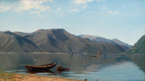 Fjordlandskap, stille sommerdag