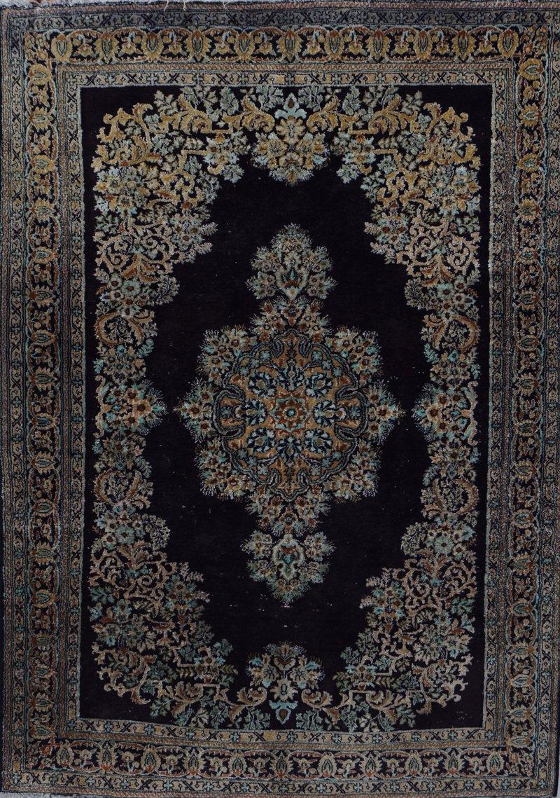 Silketeppe, Kerman-stil