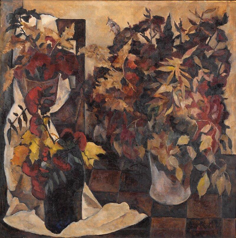Oppstilling med høstblomster i vaser 1926