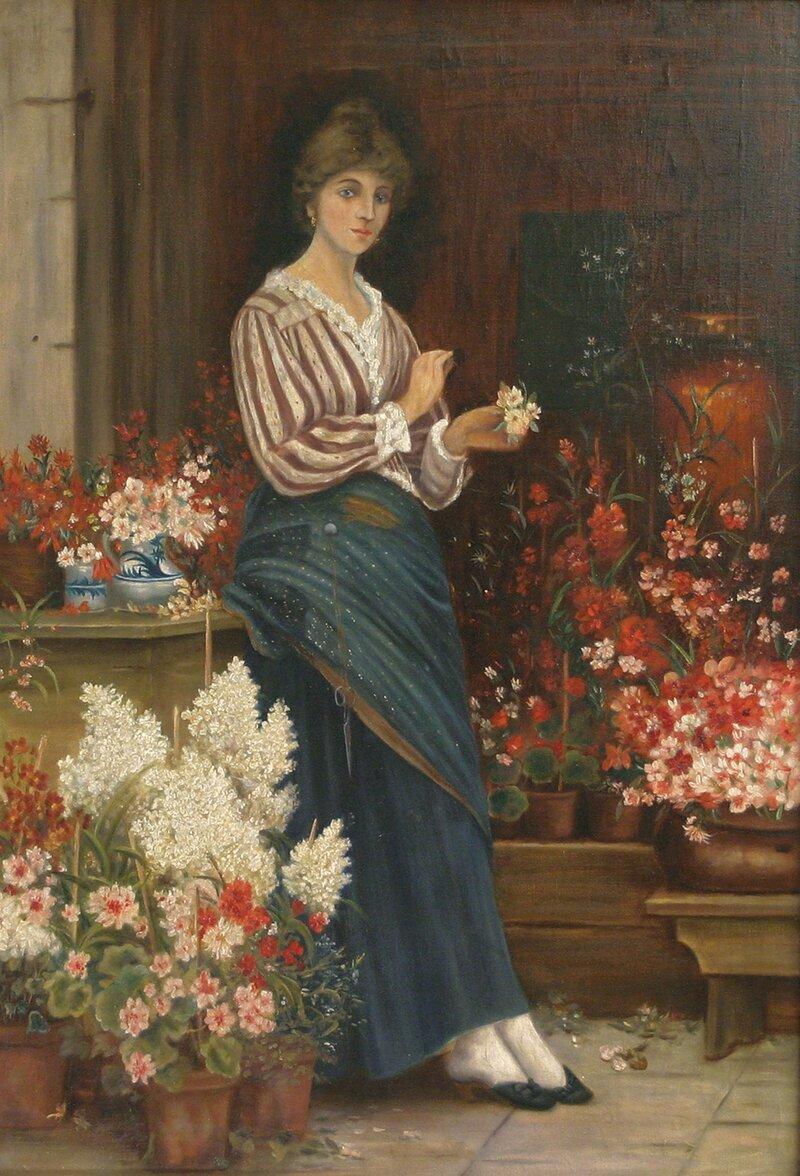 Kvinne i interiør med blomsterkrukker