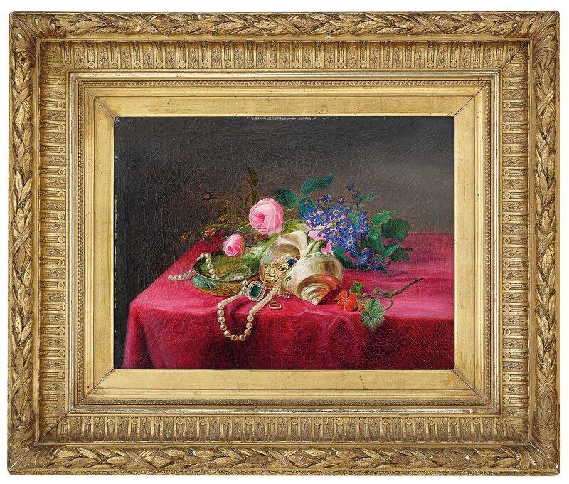 Oppstilling med blomster, muslinger og smykker